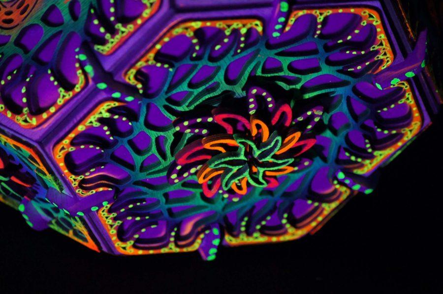 lampe bois psychedelique