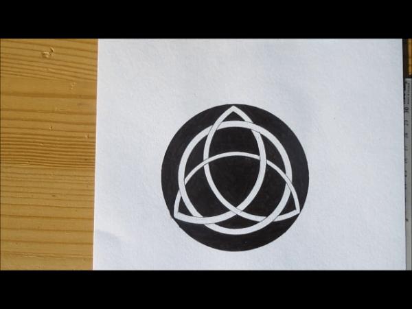 dessiner triquetra